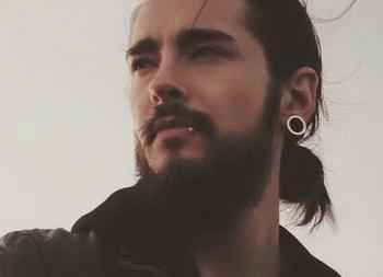 Гитарист группы Tokio Hotel подает на развод