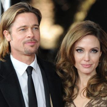 Джоли сделала рождественский подарок бывшему мужу