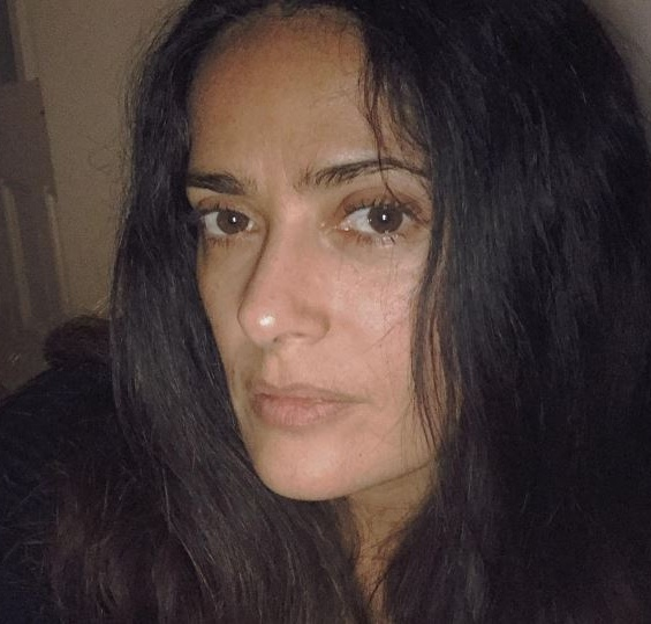50-летняя Сальма Хайек показала фото без макияжа, фотошопа и фильтров