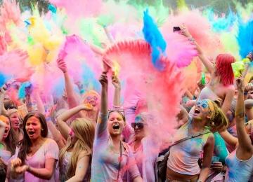 Фестиваль красок холи в Москве