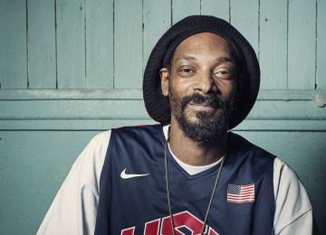 Snoop Dogg в новом клипе высмеял коллегу