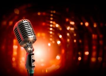 """Трибуна для стендап-комиков: """"Открытый микрофон"""" в DeFAQto"""