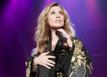 Знаменитая исполнительница Лара Фабиан вновь радует поклонников клипом Choose What You Love Most