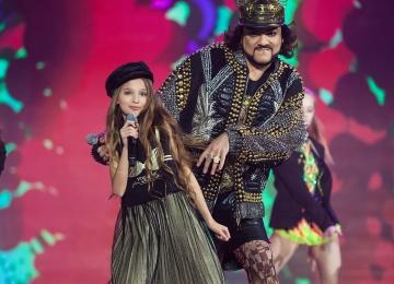 Филипп Киркоров спел дуэтом с юной Лизой Анохиной