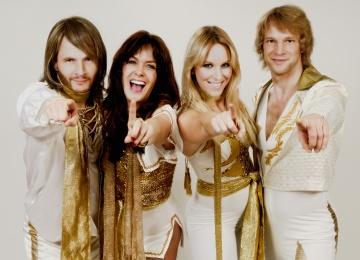 ABBA снова вместе 30 лет спустя