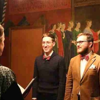 Фокусы с однополым браком в России: признали или нет?