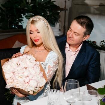 Алена Кравец сыграла свадьбу с экс-мужем, который ее избивал