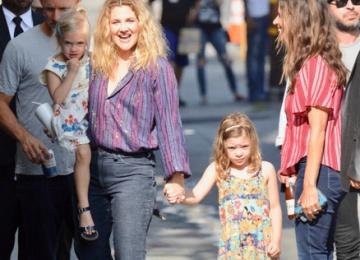 Дрю Бэрримор впервые показала дочерей