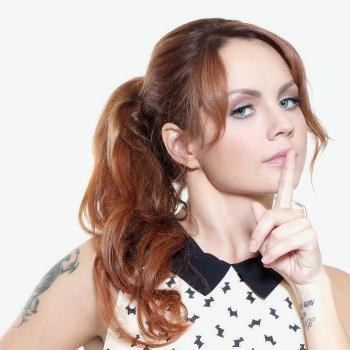 СМИ: Певица Максим уходит со сцены