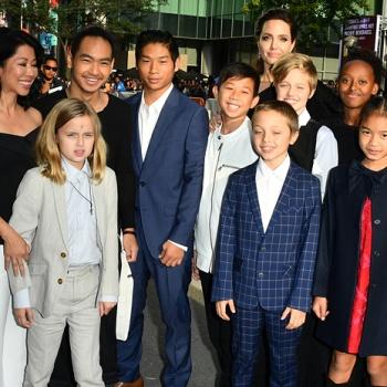 Анджелина Джоли намерена усыновить еще одного ребенка