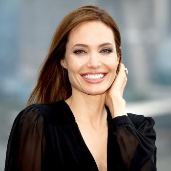 Анджелина Джоли экстренно госпитализирована