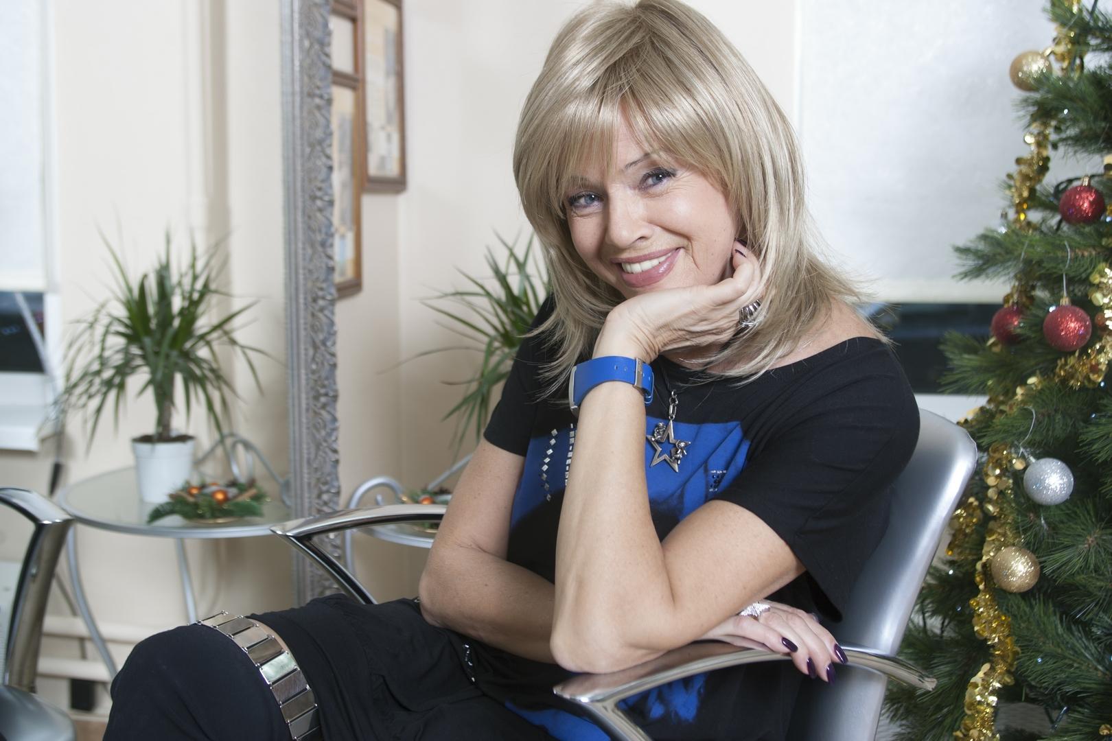 72-летняя мама Владимира Преснякова удивила фанатов молодостью и красотой