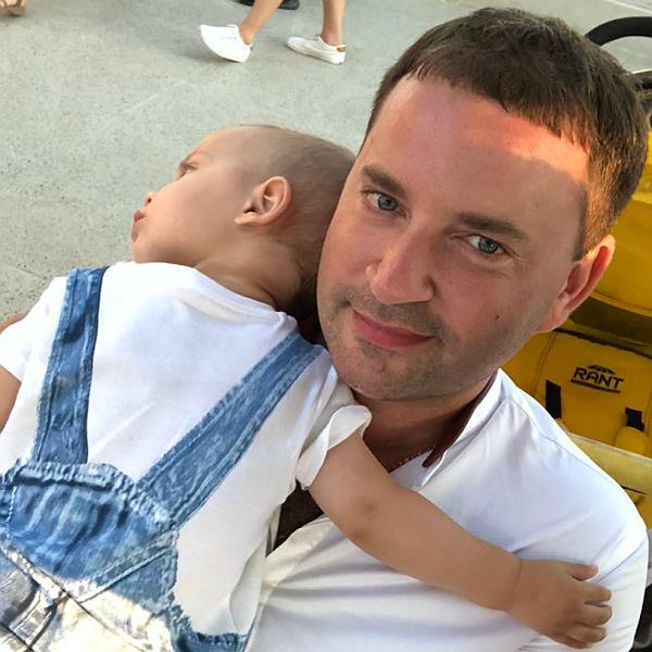 Телеведущий Леонид Закошанский стал отцом во второй раз